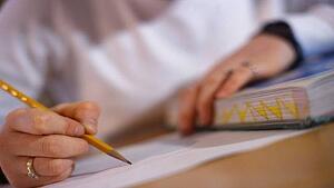 25_creative_college_essay_promptsjpgt1535133988935width300height169name25_creative_college_essay_promptsjpg
